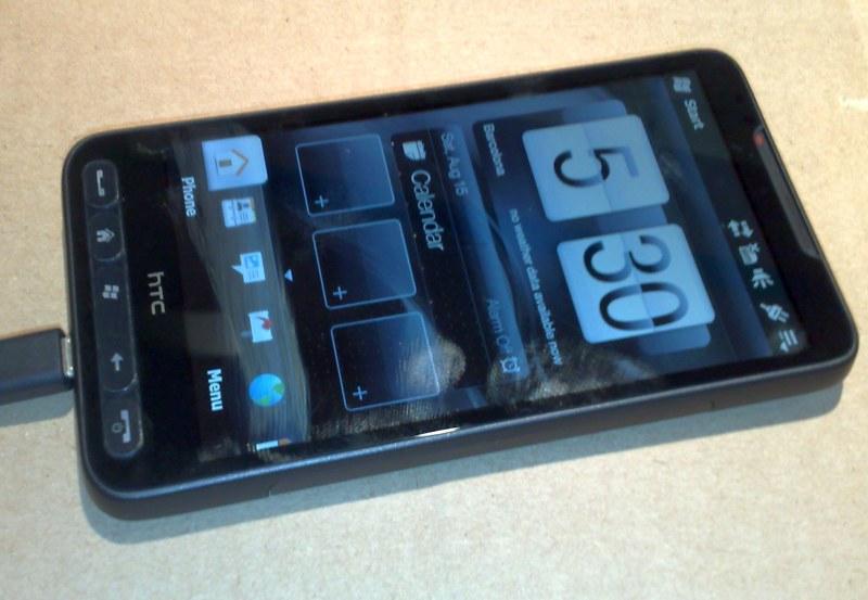 Фотографии рабочей версии HTC Leo.